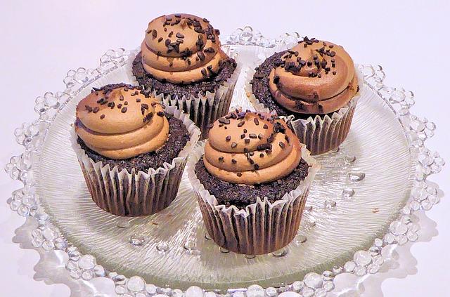 chocolate-cupcakes-710400_640