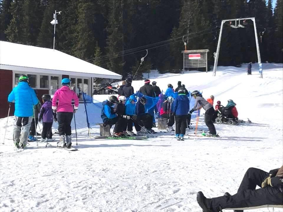 Åkersjöns Camping och skidbacke vid skidliften.