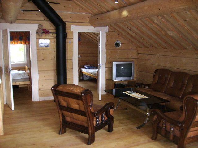 Allrum i stora timmerhärbret hos Flottargården i Valsjöbyn