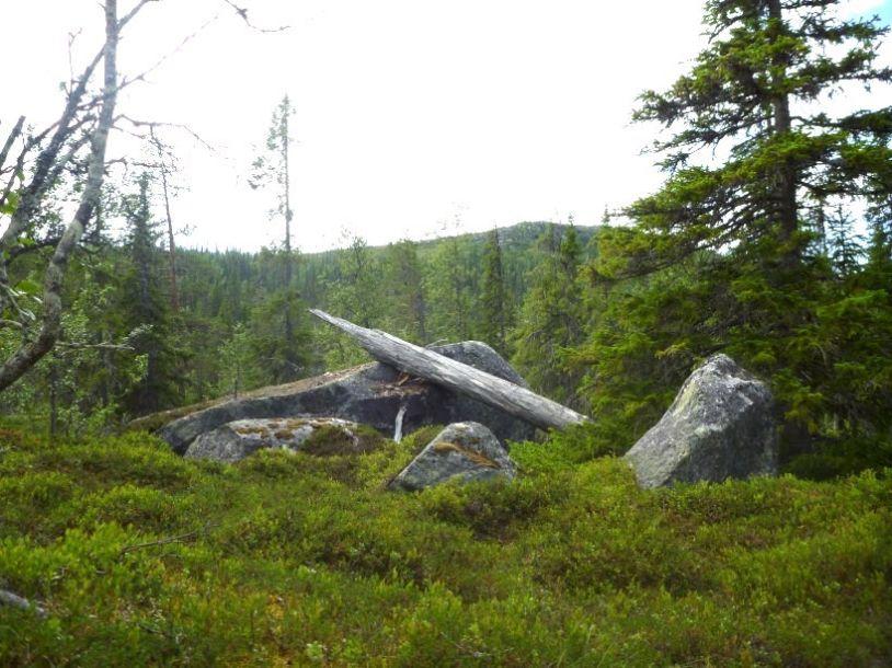 Naturens konstverk vid Grubbdalsleden. Foto © Vandring i Ansättfjällen.