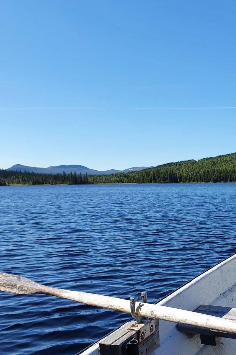 Båttur på Lill-veksjön. Foto © Maritha Grelsson.