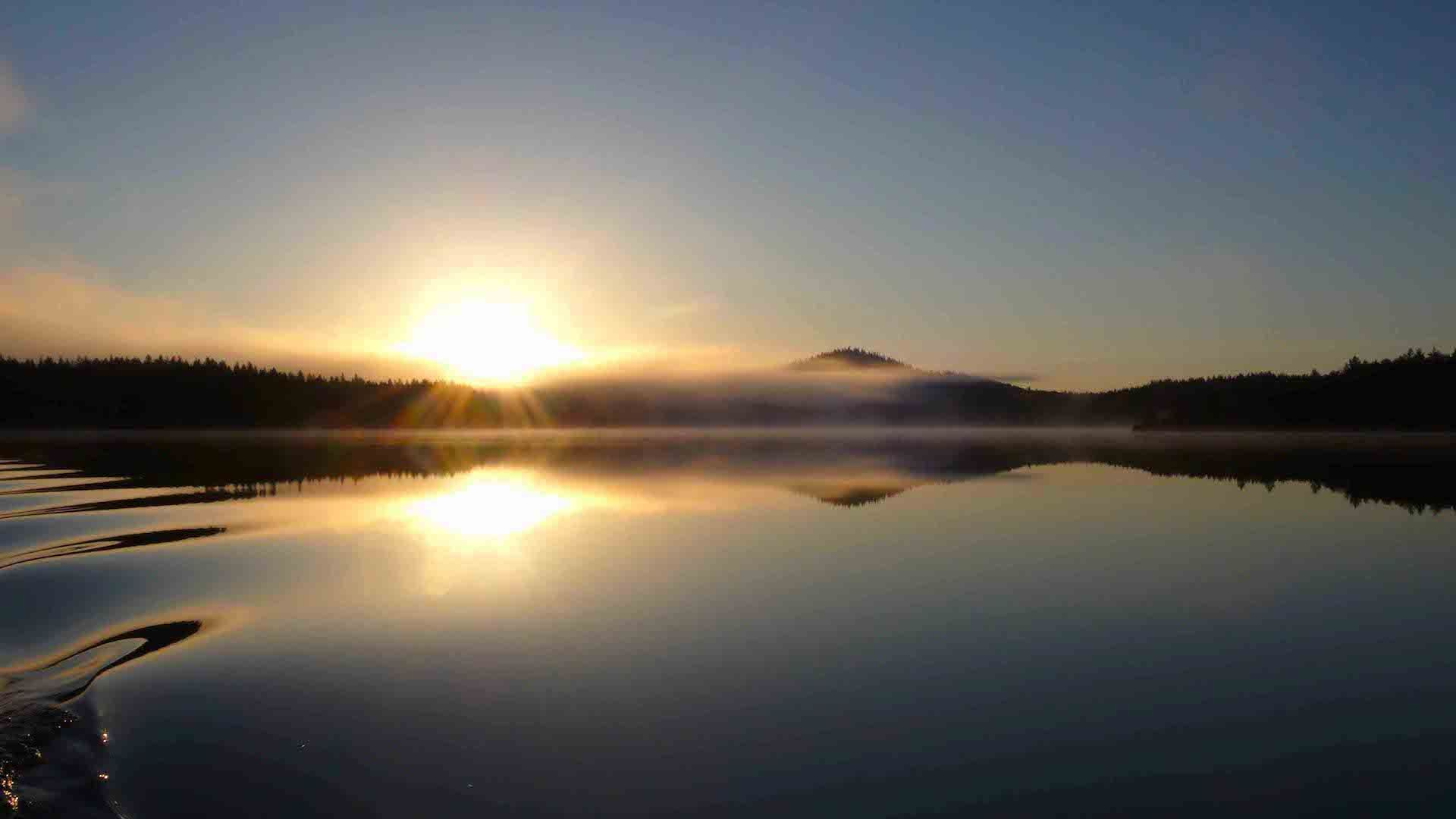 Solnedgång vid Stor-Kingen i Hotagsbygden. Foto © Maritha Grelsson.