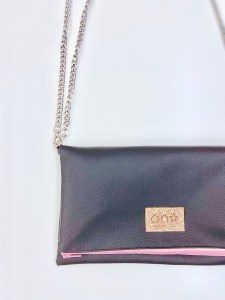 Bolso_5thAve_Chocolate_Label_anstar_1