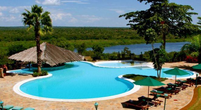 Safari-lodge-Uganda