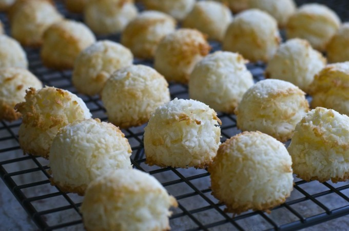 chewy coconut macaroons cooling