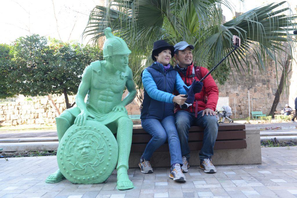 Heykeller Turistlerin ilgi odağı