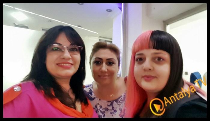 Başkent Kuaför'de İmkansız Diye Bir Renk Yok- Bade Su AğaoğluBaşkent Kuaför'de İmkansız Diye Bir Renk Yok- Bade Su Ağaoğlu