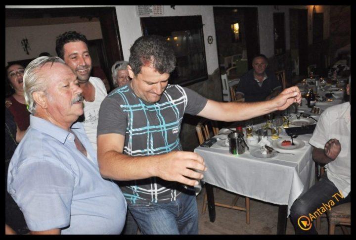 Kıbrıs Ada TV-  Tavukçu Show – Burhan Çapraz- Antalya TV- Muhabir Rüya Kürümoğlu- Prens Boran (44)