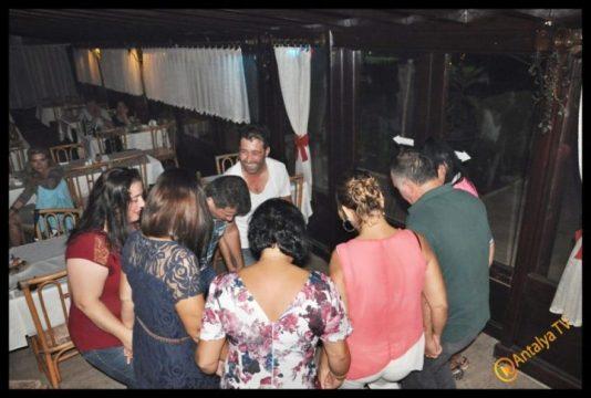 Kıbrıs Ada TV-  Tavukçu Show - Burhan Çapraz- Antalya TV- Muhabir Rüya Kürümoğlu- Prens Boran (66)