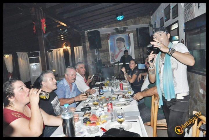 Kıbrıs Ada TV-  Tavukçu Show – Burhan Çapraz- Antalya TV- Muhabir Rüya Kürümoğlu- Prens Boran (78)