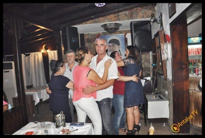 Kıbrıs Ada TV-  Tavukçu Show – Burhan Çapraz- Antalya TV- Muhabir Rüya Kürümoğlu- Prens Boran (95)