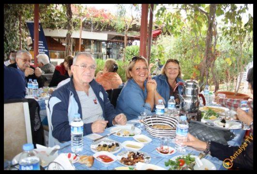 Efsane Tırak Köy Kahvaltısı Fasıl Restaurant- Ali İhsan Eymir- Antalya TV Muhabiri Rüya Kürümoğlu (210)