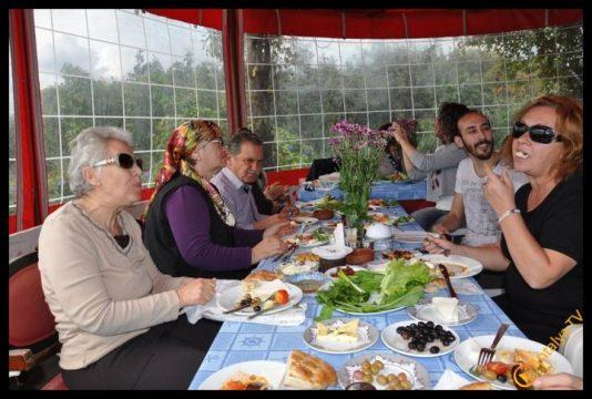 Efsane Tırak Köy Kahvaltısı Fasıl Restaurant- Ali İhsan Eymir- Antalya TV Muhabiri Rüya Kürümoğlu (62)