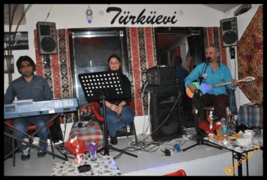 Ezgi Türkü Evi Alper Şahan İle Start Verdi...