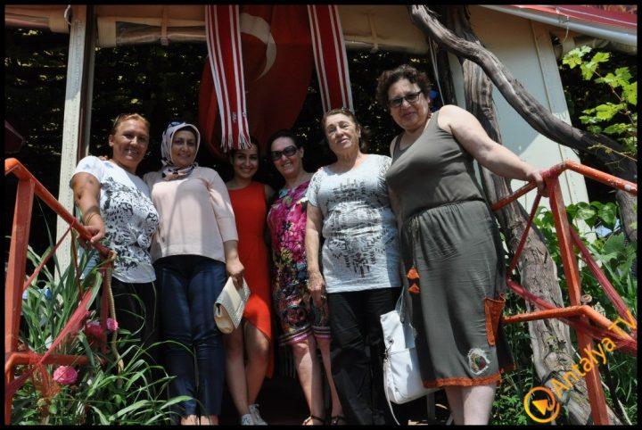 Kadınlar Kulübü Efsane Köy Kahvaltısı'nda (10)