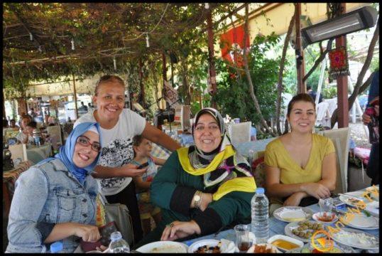 Kadınlar Kulübü Efsane Köy Kahvaltısı'nda (15)