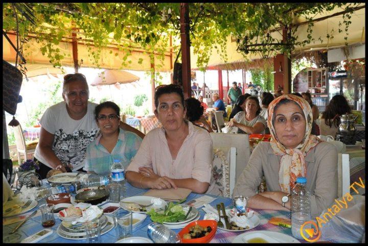 Kadınlar Kulübü Efsane Köy Kahvaltısı'nda (48)