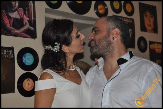 Plaklı Meyhane Gitarist Ali Demircan- Gamze Pelin Demircan (2)