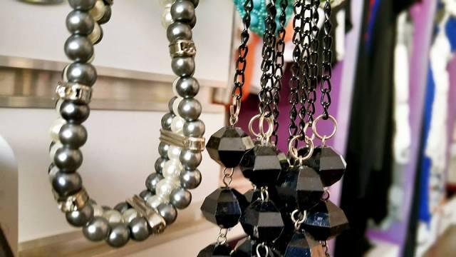 B & G Boutique Antalya - 0242 2295999 antalya takı mağazaları saat küpe yüzük kemer çanta modelleri (2)