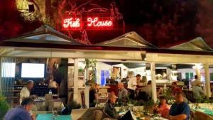 Ekici Restaurant 0242 248 4142 Antalya yat limanı balık deniz ürünleri restoranı mekanlar balıkçı bar
