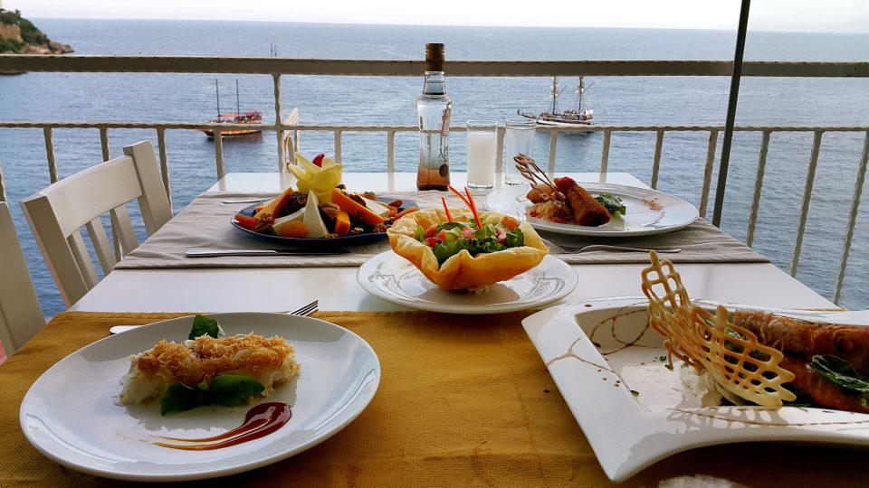 Rakı Sofrası – Deniz Manzarası Antalya