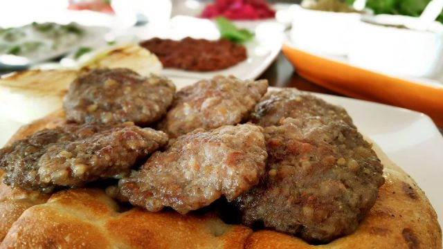 antalya-kofte-piyaz-siparis-0242-322-4141-cag-kebabi-etli-ekmek-pide-lahmacun-paket-servis-4