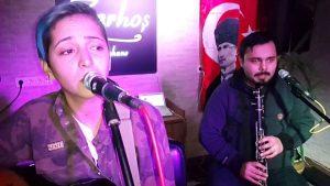 Hangimiz düşmedik kara sevdaya - Hangimiz Sevmedik - İnci Ercan Antalya Canlı Müzik