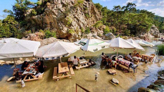 Antalya Gözlemeciler Çakırlar Muhtarın Yeri Sakin Gözleme Kahvaltı
