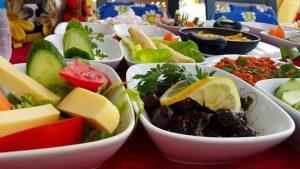 Serpme Kahvaltı Sunumu - Alanya Dimçayı Serpme Kahvaltı Çesitleri