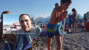 Konyaaltı Plajında Turistlerle Türkler arasındaki bariz fark - Antalya Gezi Tatil