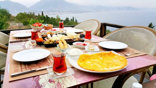 Alanya Kahvaltı Mekanları Muhtarın Yeri Kahvaltı