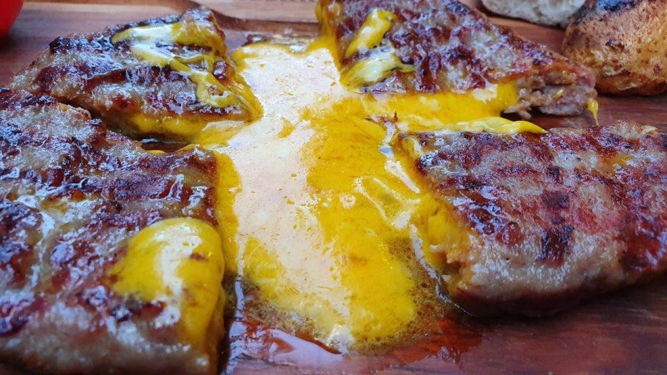 Cheddar Aşkına ! – Cheddar Peynirli Köfte Nasıl Yapılır ?