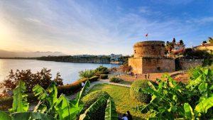 Hıdırlık Kulesi - Karaalioğlu Parkı Antalya Görülecek Yerleri