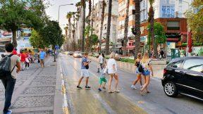 Antalya Işıklar Caddesi - Atatürk Caddesi Manzaraları