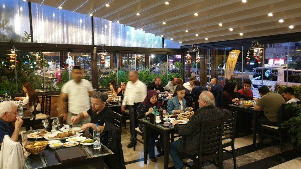 Nasreddin Restaurant'da İftar Telaşı – Antalya Ramazan İftar Menü