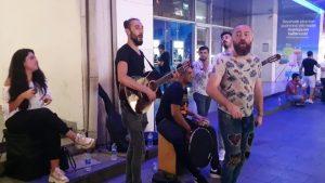 Yürüyorum Sana Doğru - Cennet böyle güzel olamaz sözleri - Grup Orfe07 - Sokak Müzisyenleri