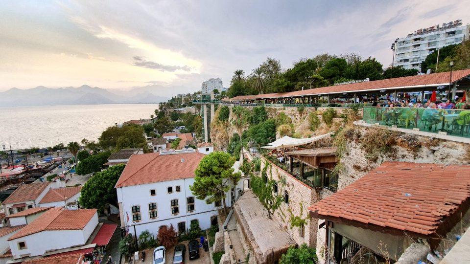 Tophane Cay Bahcesi Antalya Cumhuriyet Meydani Deniz Manzarasi (4)