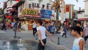 Kale Kapısı Antalya Şehir Merkezi - Kapalı Yol Girişi - Saat Kulesi Antalya Görülecek Yerleri