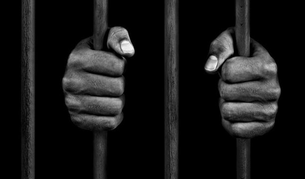 Özgürlük... - Ali Aksoy (Şiir)
