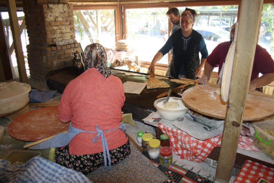 Antalya Kahvaltı Yerleri Sakinler Gözleme Bazlama Çakırlar