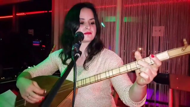 Ah Yalan Dünya - Hep sen mi ağladın hep sen mi yandın sözleri - Alanya Türkü Bar Canlı Performans