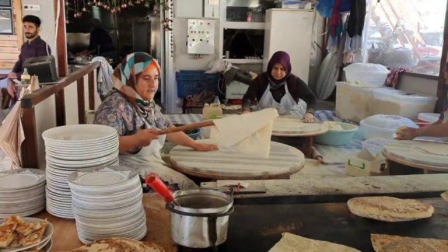 Antalya Kahvaltı Yerleri Çakırlar Gözleme Bazlama Muhtarin Yeri Sakinler Gözleme