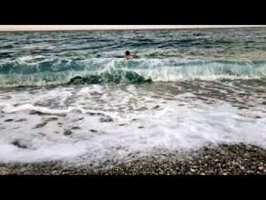 Konyaaltı Plajında Ağır Çekim Deniz ve Dalga Manzaraları