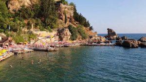 Mermerli Plajı Deniz Manzarası  Yat Limanı Antalya Denize Girilecek Yerler