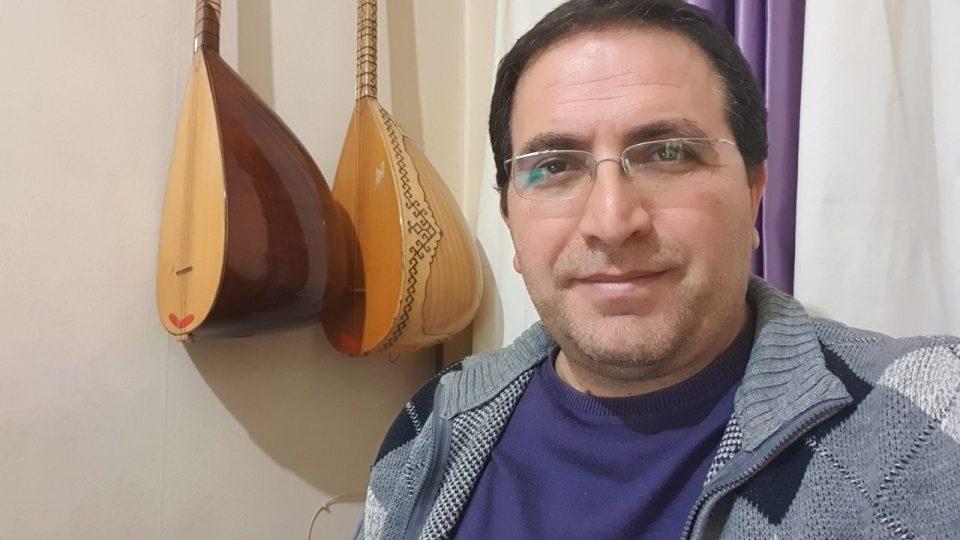ali aksoy fotoğrafları sanatçı besteci söz yazarı şair 12