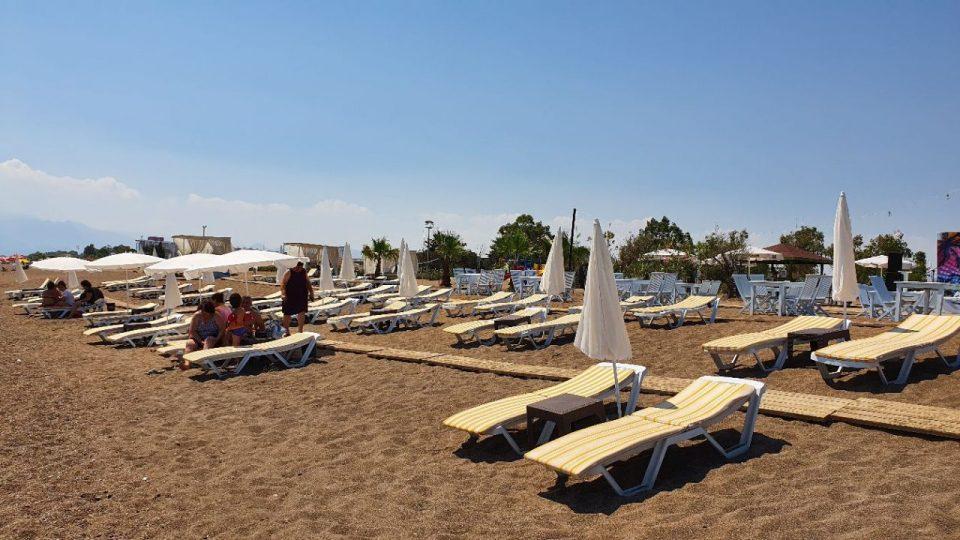 antalya lara plajları qula beach club restaurant cafe bar plaj canlı müzik 8