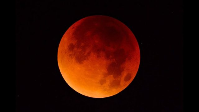 Ay tutulması nedir, neden olur ? Ay tutulması hakkında detaylı bilgi
