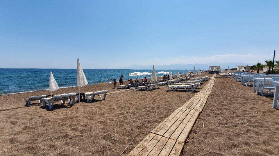 qula beach club restaurant lara plajları antalya 8