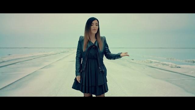 Aysel Aydoğan - Dert Ağlar Dertler Ağlar Şarkı Sözleri