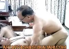 Saas Sasur Hindi Sex Story -
